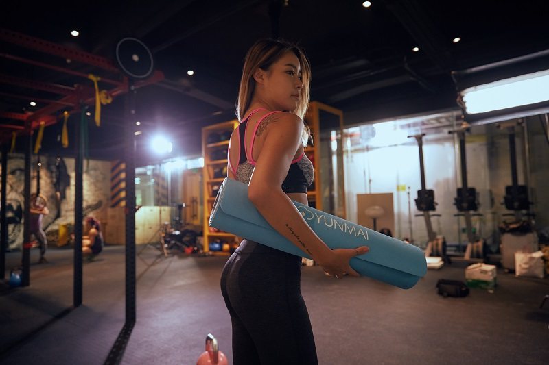 5 Tips To Get Over Feeling Intimidated At The Gym