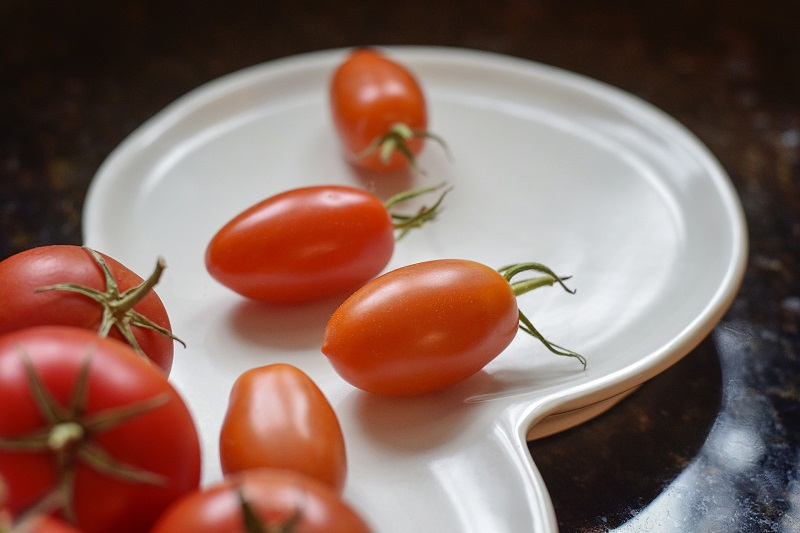 Tips To Increase Self-Control Small Plate of Roma Tomatoes