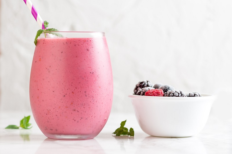 Use healthy dinner smoothies for meal replacement and continue to give your body the nutrients it needs to help you lose weight.