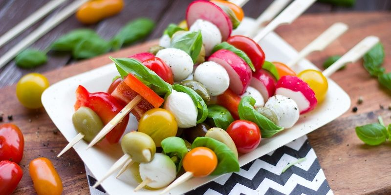 Stick to your goals and still have fun at the Summer BBQ! Follow these easy tips for maximum flavor and fun at every BBQ this Summer!