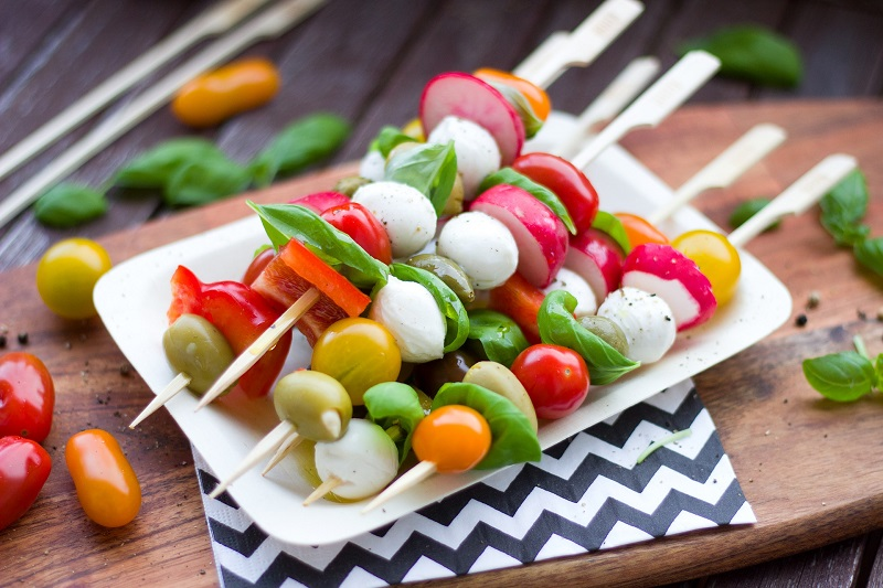 5 Tips To Stay Healthy At The Summer BBQ