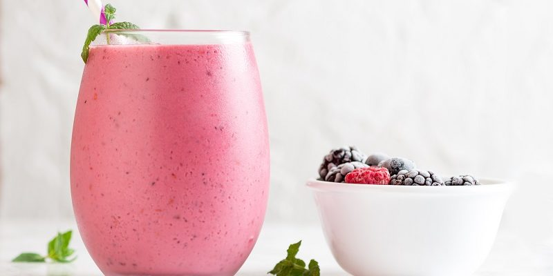 Use the best smoothie ingredients to make many different types of smoothies all of which taste great and keep you healthy.