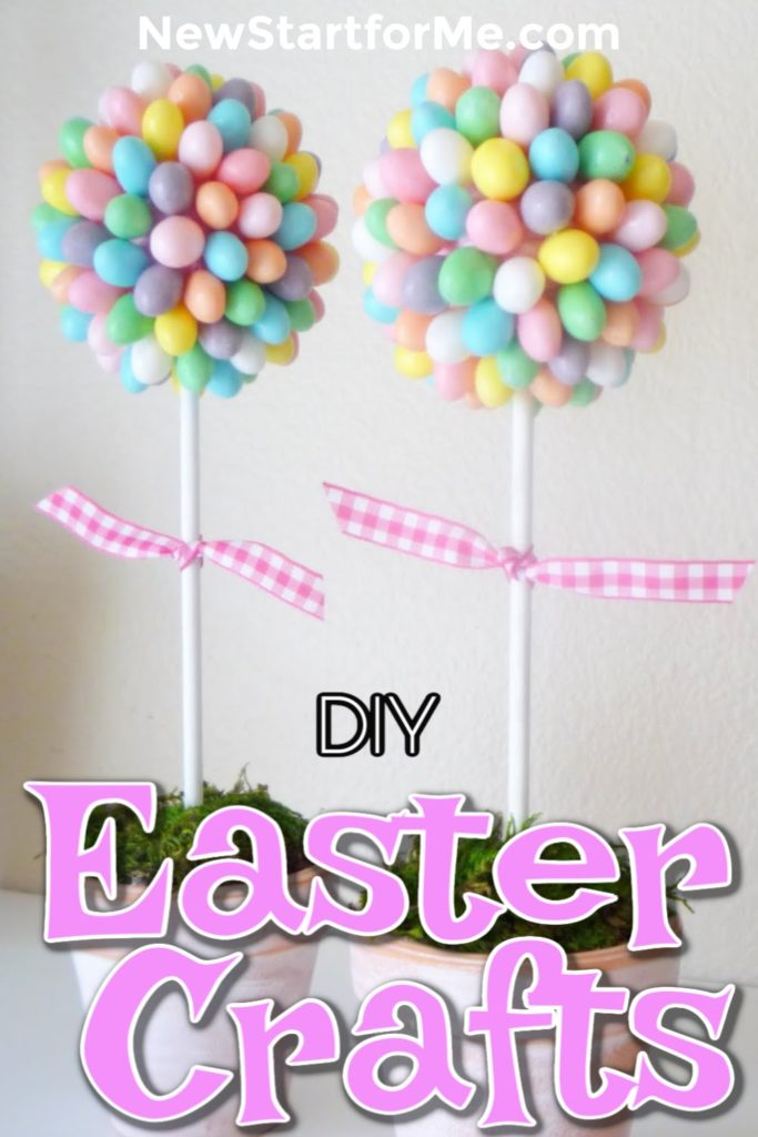 DIY Easter crafts for families are ones you can use for Easter decorations, Easter food, even as Easter gifts for children and adults. DIY Easter Decorations | DIY Easter Projects | DIY Easter Crafts | DIY Crafts for Kids | Easter Gifts | DIY Homemade Gifts #easter #DIY