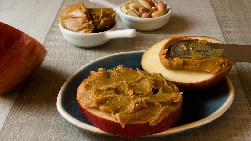 Easiest Diet Plan to Lose Weight Apple Slices with Peanut Butter